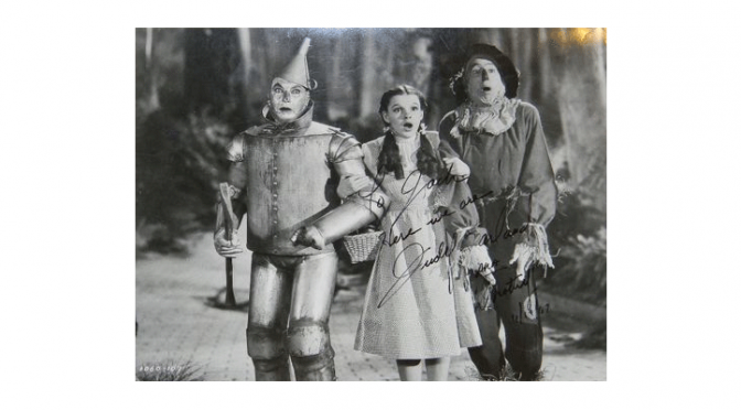 This auction includes memorabilia and collectibles from your favorite Hollywood stars.