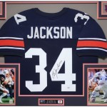Over 3700 Lots of Autographs, Sports Memorabilia, and Collectibles Up For Viewing