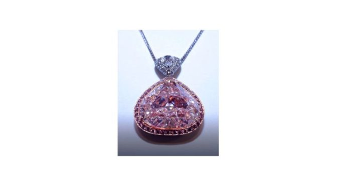 Rare Gems and Exclusive Jewelry Up For Auction on January 3rd